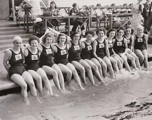1948 NŐI USZÓ